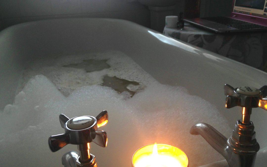 Het warme bad van Triple Zero