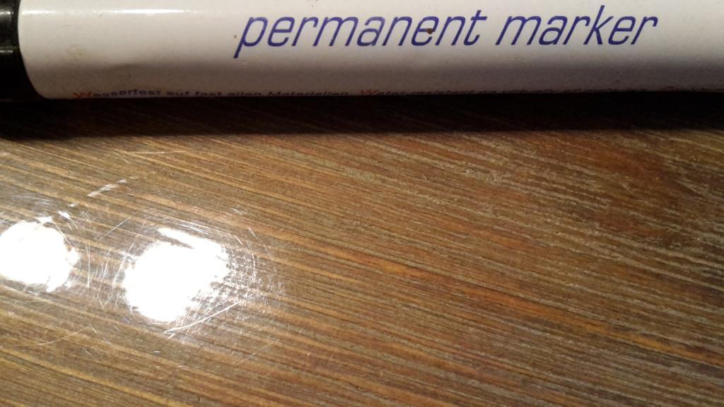 Scheids verward door permanent marker